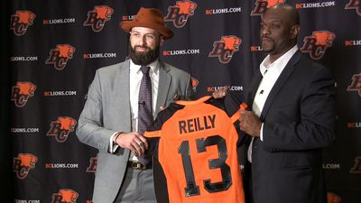 All-star quarterback Mike Reilly inks deal with B.C. Lions