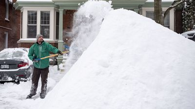 Winter storm moves east, through Quebec and the Maritimes