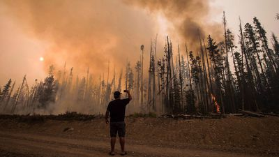 Canadian Forest Service officials discuss this year's wildfire