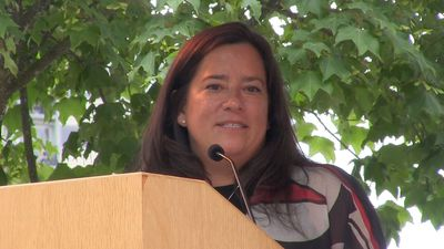 Jody Wilson-Raybould attends reconciliation pole unveiling in B.C.