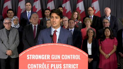 Trudeau sets sights on tighter gun controls, Scheer talks health spending and Singh talks Trudeau