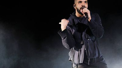 Drake gets booed off stage during Camp Flog Gnaw performance