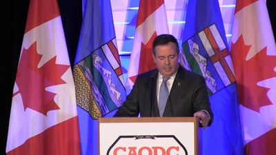Premier Jason Kenney vows to fight for slumping oilpatch, responds to Quebec criticism