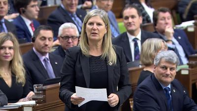 Economic worries fuel start of question period