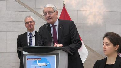 Garneau gives update on Transport Canada clearance for Santa's sled