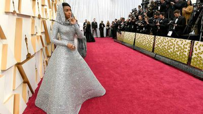 Scenes from the red carpet at the 2020 Oscars