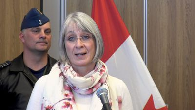 Health minister visits quarantine at CFB Trenton