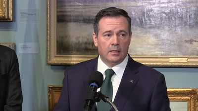 Alberta premier reacts to letter calling for Ottawa to deny Teck project