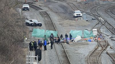 New blockade suspends rail service west of Toronto