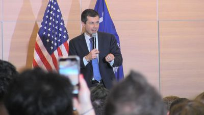 Democratic challenger Pete Buttigieg rallies troops in South Carolina ahead of critical primary vote