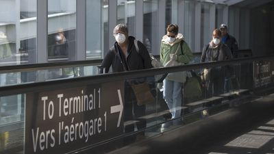 Mandatory quarantine for travellers returning to Canada