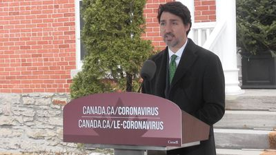 Three thousand companies offer services in COVID-19 fight, Trudeau says