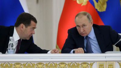 Russian Government Resigns as Putin Proposes Power Extension