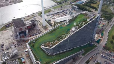 Power Plant Has SKI SLOPE On Its Roof