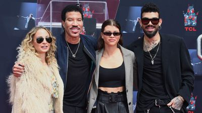 Lionel Richie struggles during 'open' conversations with daughters