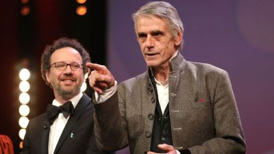 Jeremy Irons disowns past comments on same-s*x marriage and s*xual harassment