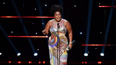 Lizzo wins entertainer of the year at 2020 NAACP Image Awards