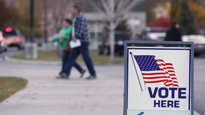 Hundreds of US Companies to Give Workers Time Off to Vote