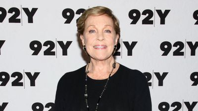 Julie Andrews reminded of World War II unity amid coronavirus crisis