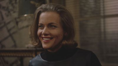 Honor Blackman dies