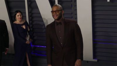 Tyler Perry stresses importance of social distancing after his hairdresser dies