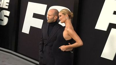 Jason Statham and Rosie Huntington-Whiteley reportedly to wed on New Year's Eve