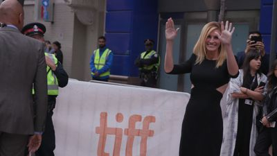 Julia Roberts offers up the chance to join her for Pretty Woman-inspered shopping spree