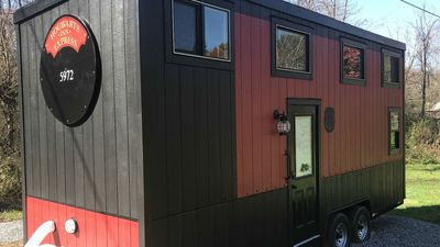Tiny Home Is Turned Into The Ultimate Hogwarts Experience And You Can Buy It