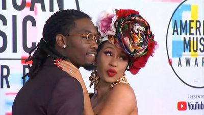 Offset crashes Cardi B's gig begging for forgiveness