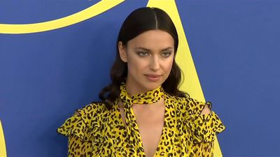 Irina Shayk relies on candy to get over jetlag