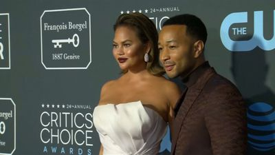 Chrissy Teigen slams online troll who called her 'chubby'