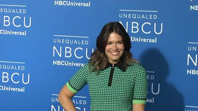 Mandy Moore embarks on Mount Everest trek