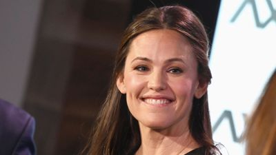 Jennifer Garner launching initiative to celebrate random acts of kindness