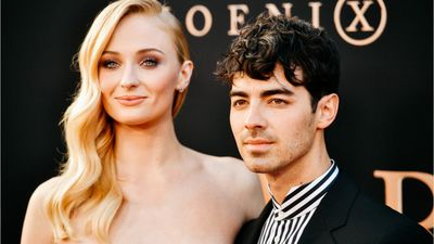 Trending: Sophie Turner feels honoured to be on the Vogue cover, Jennifer Aniston regrets snubbing C