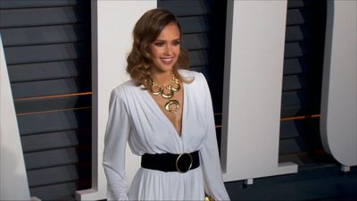 Jessica Alba flustered after losing passport