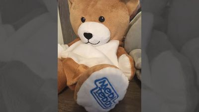 Medi Teddy: 12 Year Old Invents Cute IV Feed Cover