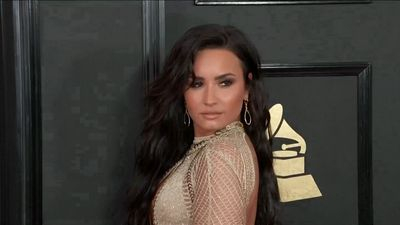 Demi Lovato defends Halsey amid armpit hair storm