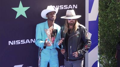 'Old Town Road Remix' ties 'Billboard' chart record