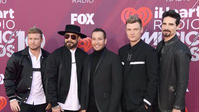 Backstreet Boys versus the Jonas Brothers for MTV VMAs best group