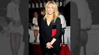 Heather Locklear celebrates sobriety after assault sentencing