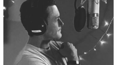 Luke Evans planning Christmas album