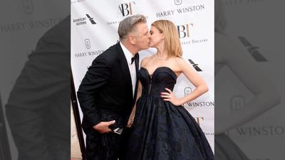 Alec Baldwin's wife pregnant again five months after miscarriage