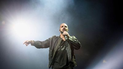Drake responds after getting booed off stage at Camp Flog Gnaw