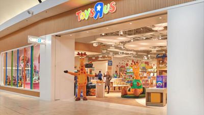 Toys 'R' Us Reopens Its First New Store After Bankruptcy