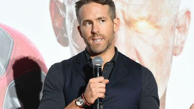 Ryan Reynolds hires peloton actress for own commercial