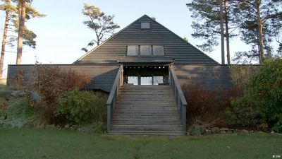 Living in a pyramid house