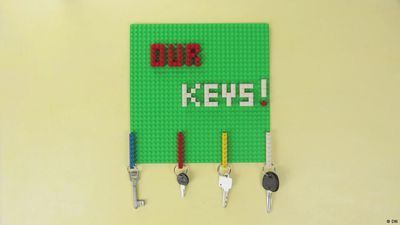 DIY: Lego key rack