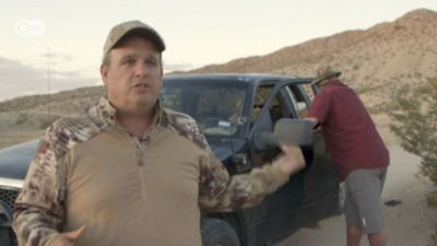 Militias chase migrants in the US