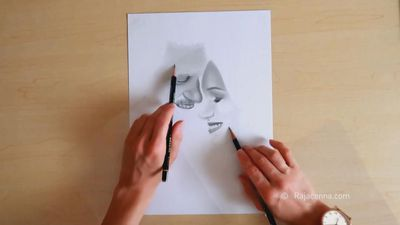 Sketching with both hands