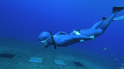 Champion Freediver Anna von Boetticher
